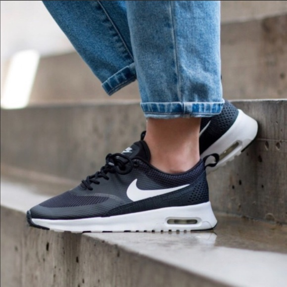 purchase cheap 4fdc2 c3d23 Women s Nike air max thea black white sneaker